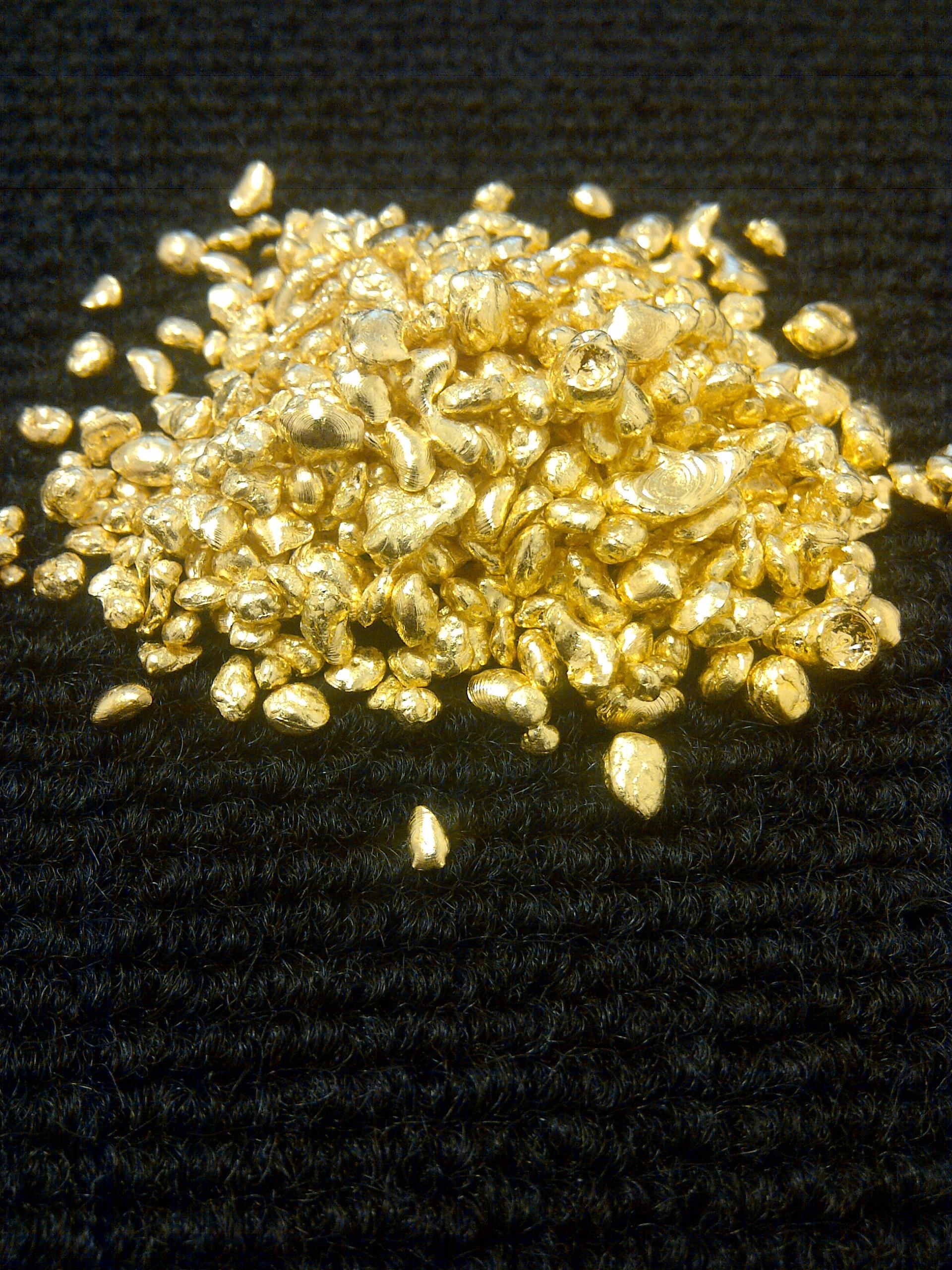 Vykupovaný zlatý granulát ze Zlatnictví ORO, Praha