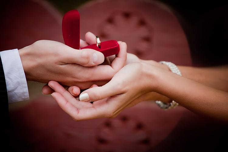 Vyznání lásky a zásnubní prsten