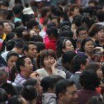 V číně stálo deset tisíc lidí ve frontě na zlato – fotografie